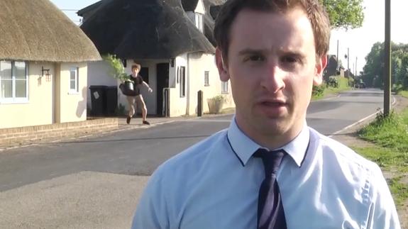 Teen masterfully pranks live TV report on illegal marijuana grow