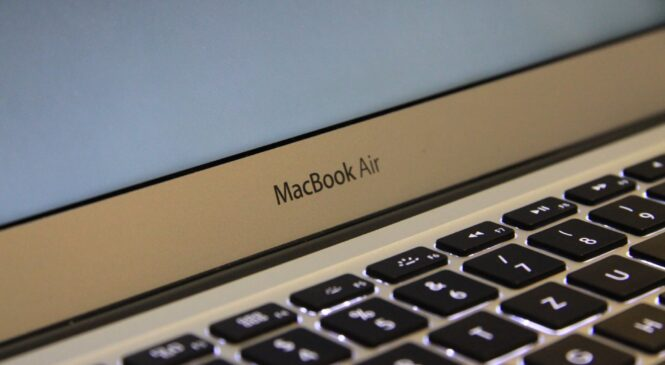 Treat yourself to a MacBook Air for $400 off the usual price